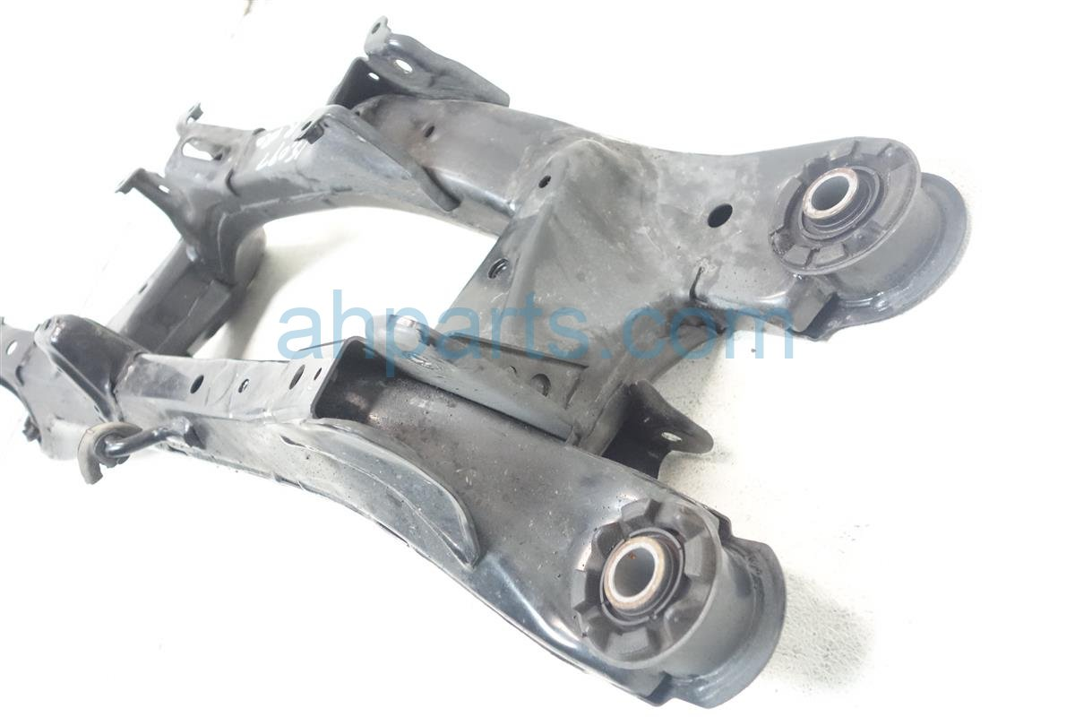 2010 Lexus Hs250h Crossmember REAR SUB FRAME CRADLE BEAM 5120675020 Replacement