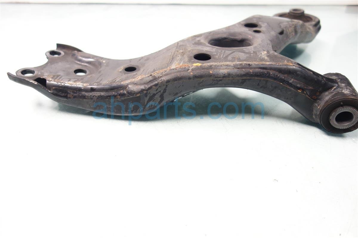 2010 Lexus Hs250h Front driver LOWER CONTROL ARM 48069 12300 Replacement