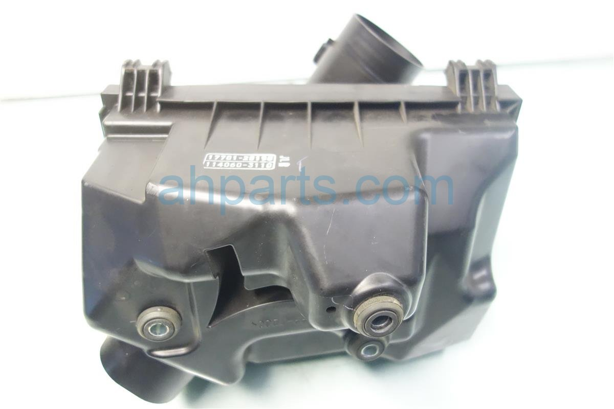 2010 Lexus Hs250h AIR CLEANER INTAKE SETUP HAS CRACK 17700 28401 1770028401 Replacement