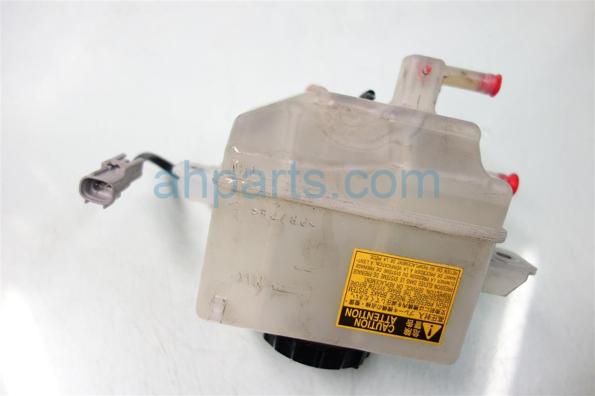 2010 Lexus Hs250h BRAKE MASTER FLUID RESERVOIR BOTTLE Replacement