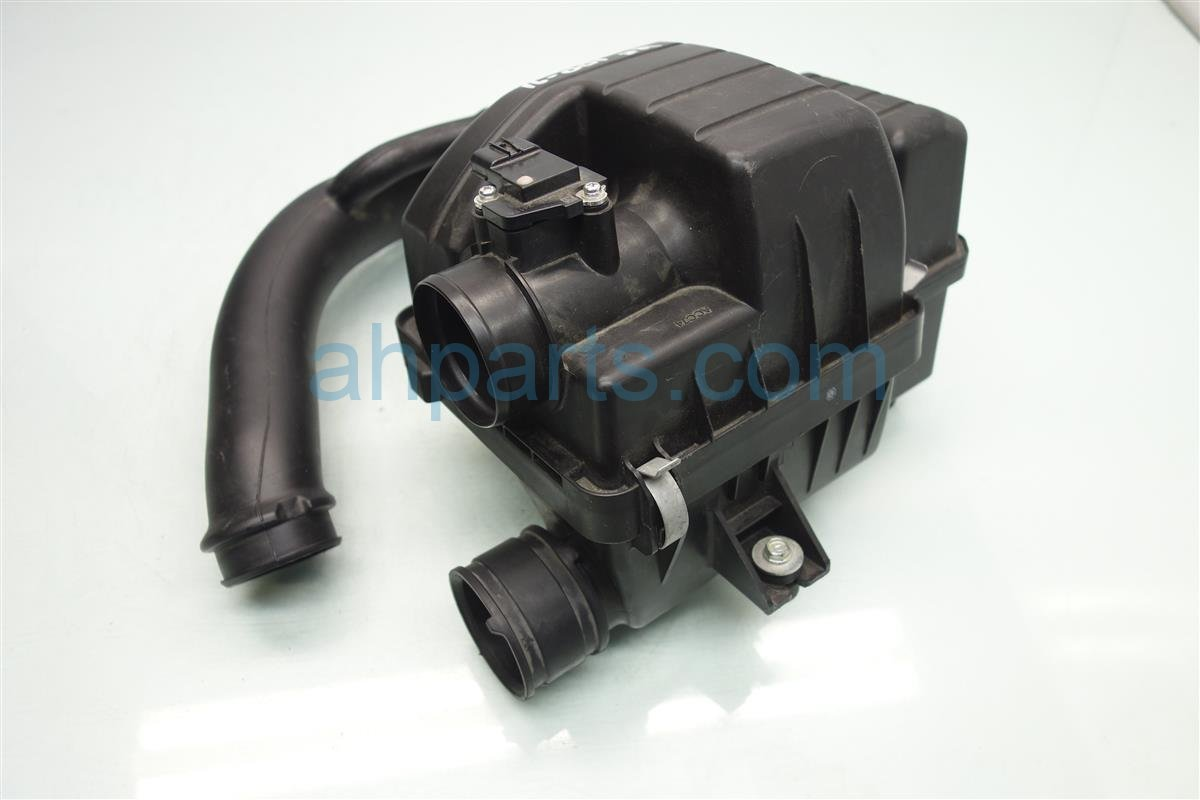 2013 Acura ILX AIR CLEANER INTAKE SETUP 17201 rw0 a01 17201rw0a01 Replacement
