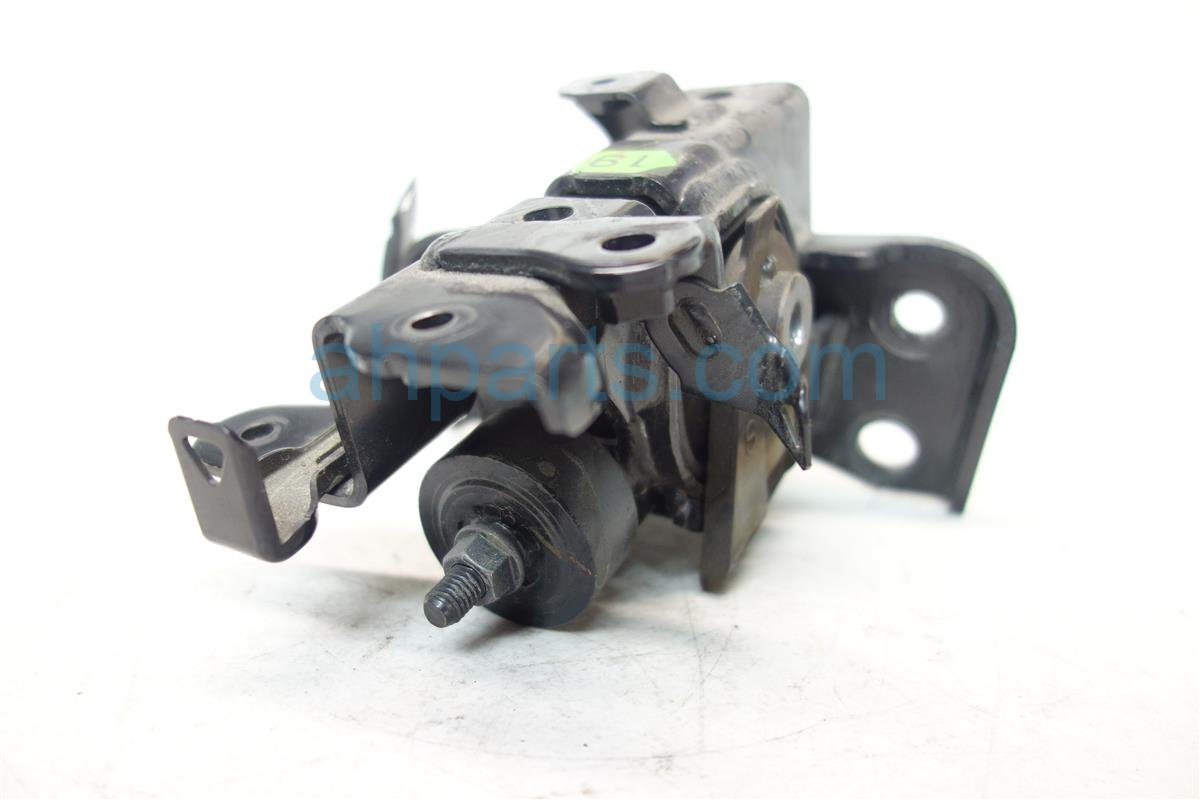 2010 Lexus Hs250h Engine Motor LEFT DRIVER ENGINE MOUNT 12372 28370 Replacement