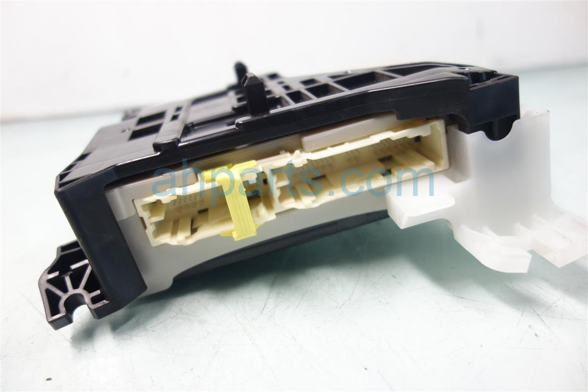 ... 2010 Lexus Hs250h Driver Fuse Box W/multiplex 82730 75020 Replacement  ...