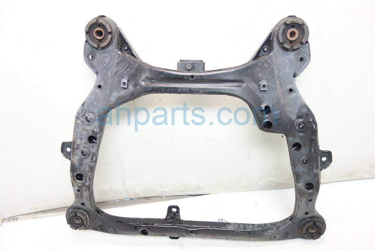 2010 Lexus Rx350 Crossmember FRONT SUB FRAME CRADLE 51100 0E041 511000E040 Replacement