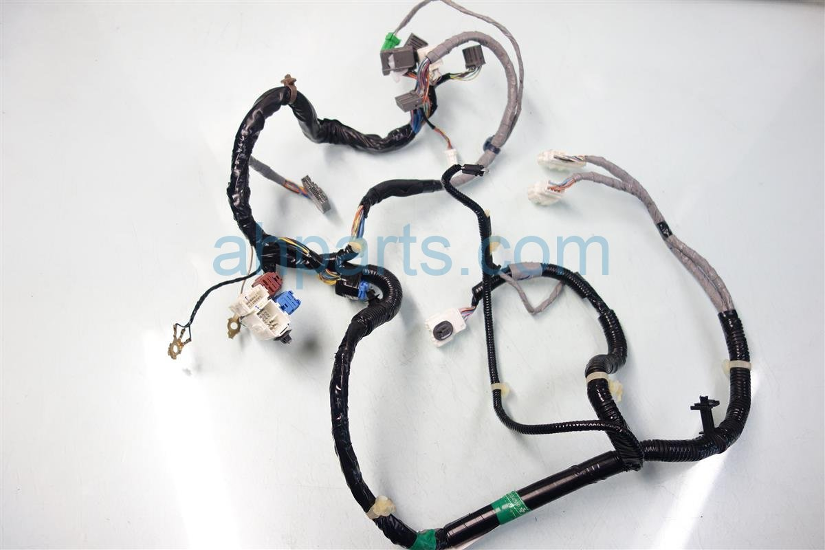 2011 Honda Odyssey AUDIO HARNESS 32118 TK8 A20 32118TK8A20 Replacement