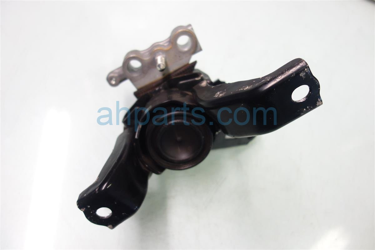 2013 Toyota Prius Engine Motor Passenger ENGINE MOUNT 12305 37301 Replacement