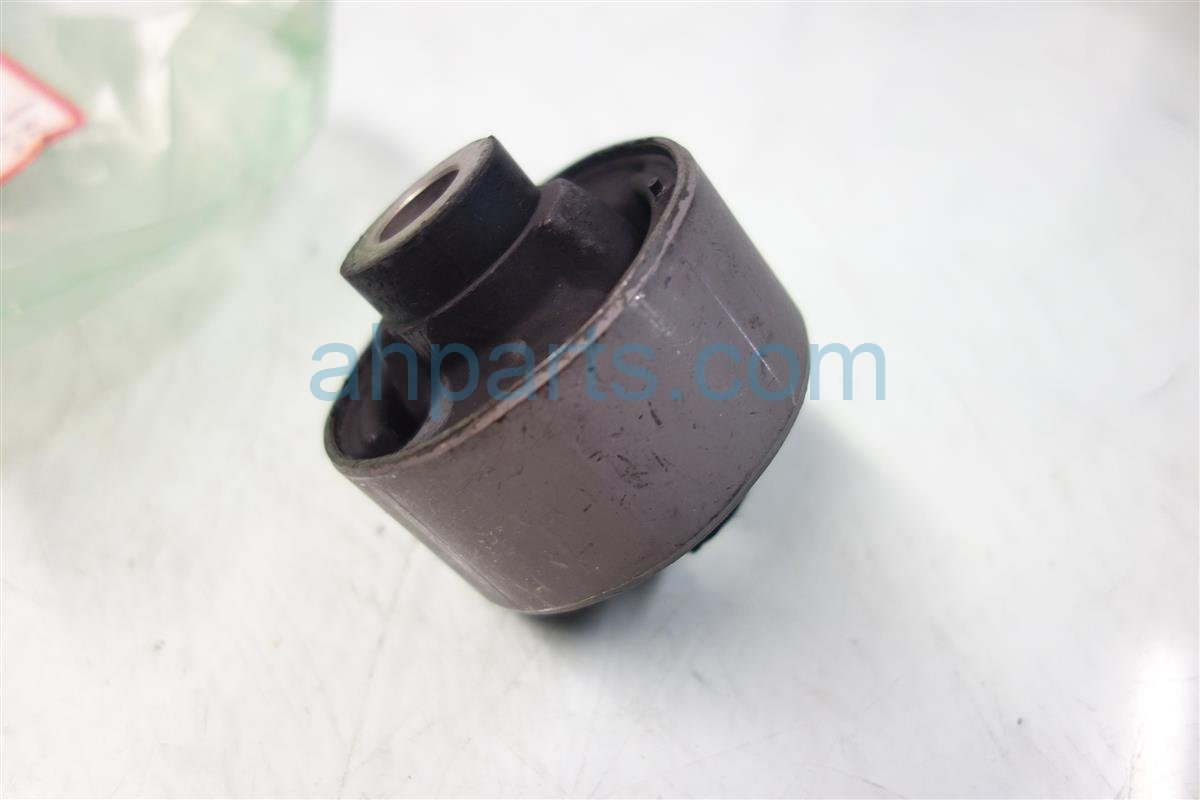 Buy 7 2004 Honda Civic Lower Control Arm Front Compliance