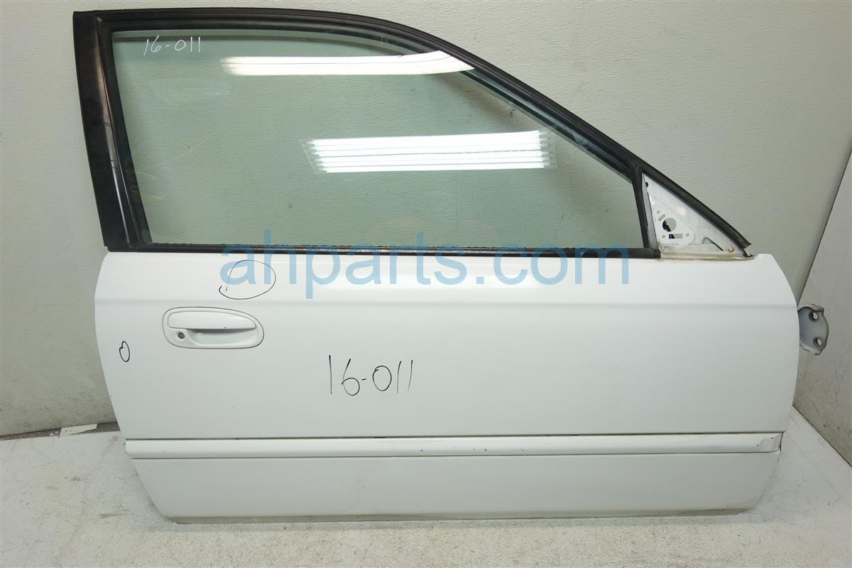 1997 Honda Civic Front Passenger DOOR SHELL ONLY white 3 dings 32752 S03 A20 32752S03A20 Replacement