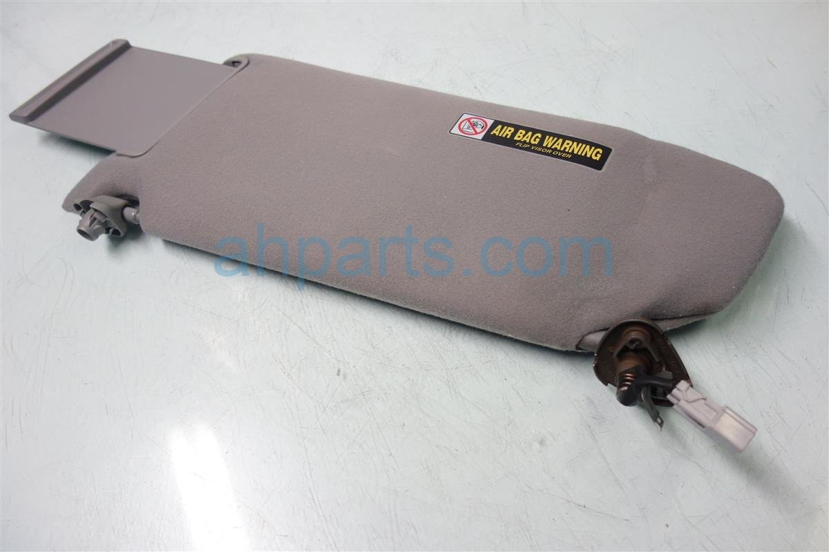 2004 Honda Pilot Passenger SUN VISOR GRAY HANGS A BIT Replacement