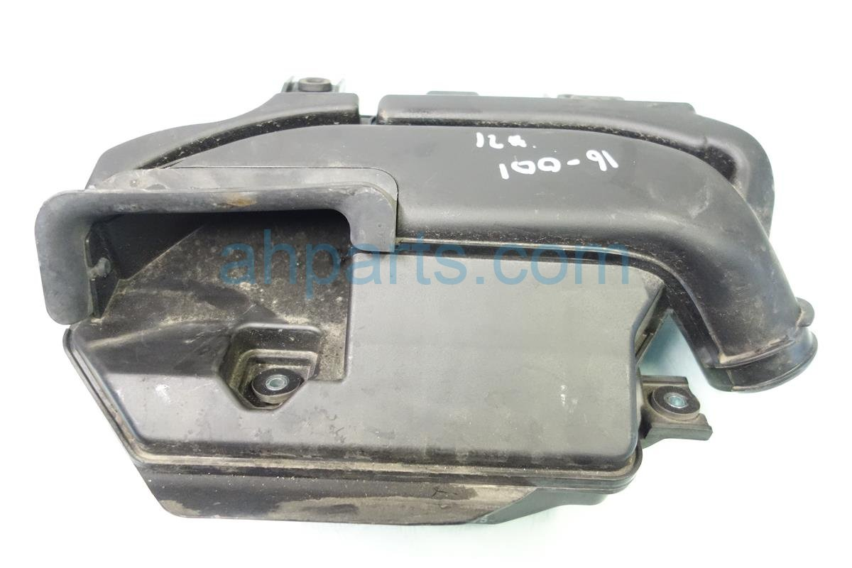 2013 Acura ILX Air Intake Case 17230 R9C A01 Replacement