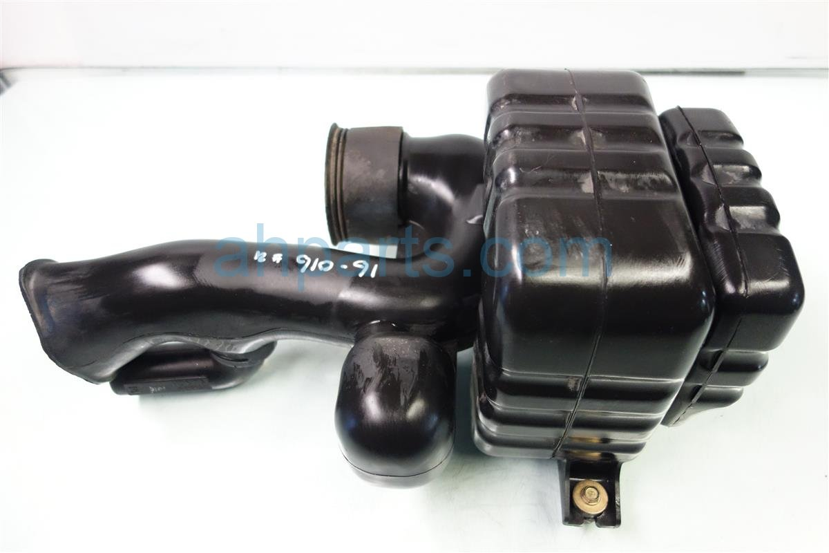 1999 Acura CL Air Intake RESONATOR BOX 17230 P8A A00 17230P8AA00 Replacement