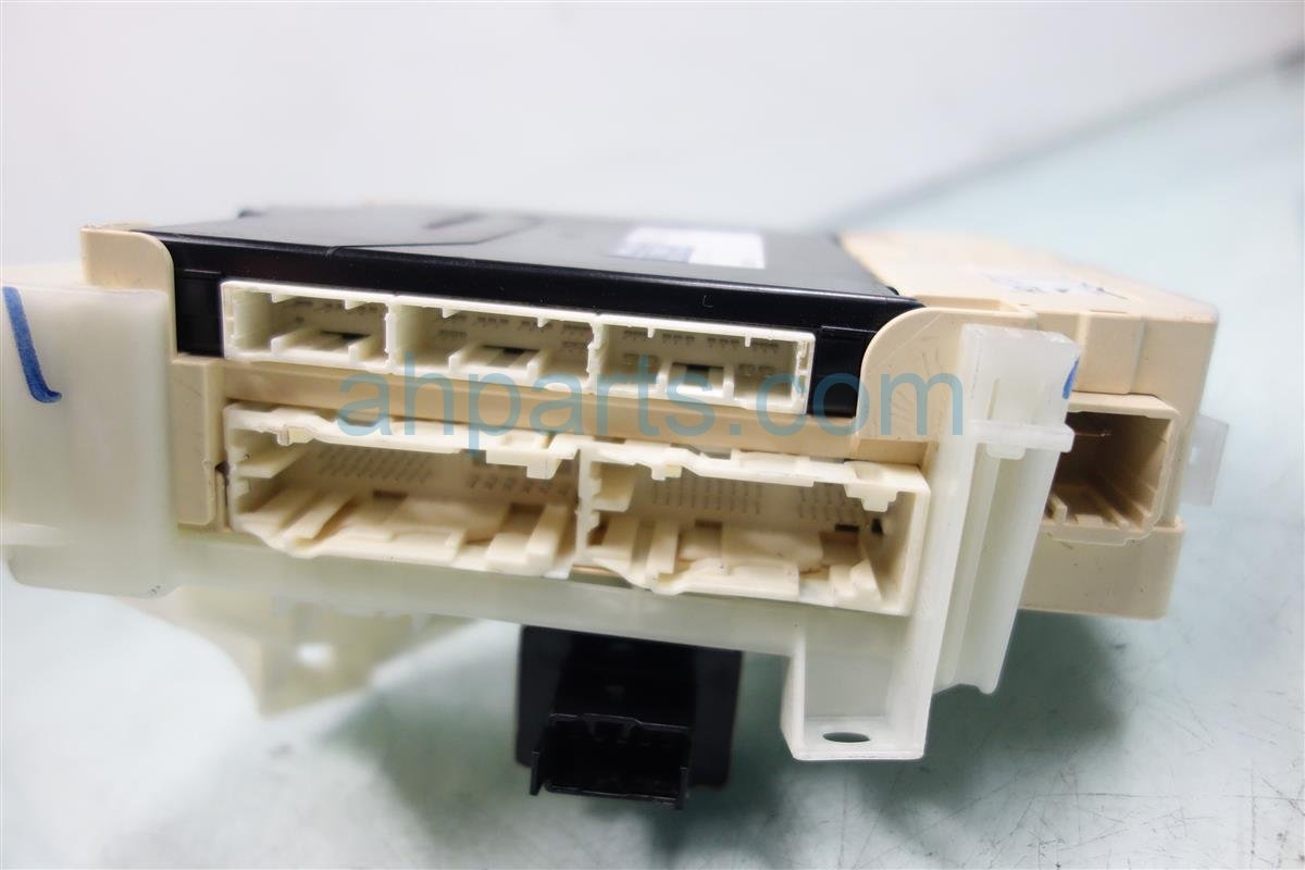 2011 Toyota Sienna Dash Fuse Box With Multiplex 82730 08090 2000 Replacement