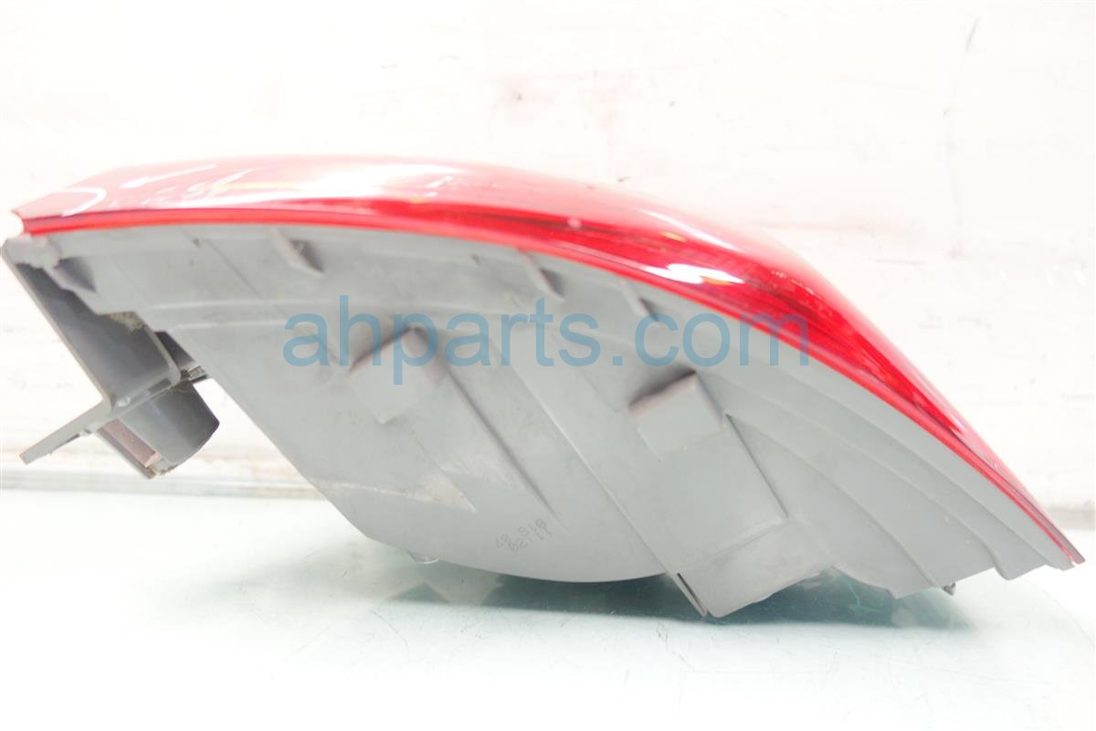 2007 Acura MDX Rear Passenger TAIL LAMP LIGHT ON BODY Replacement