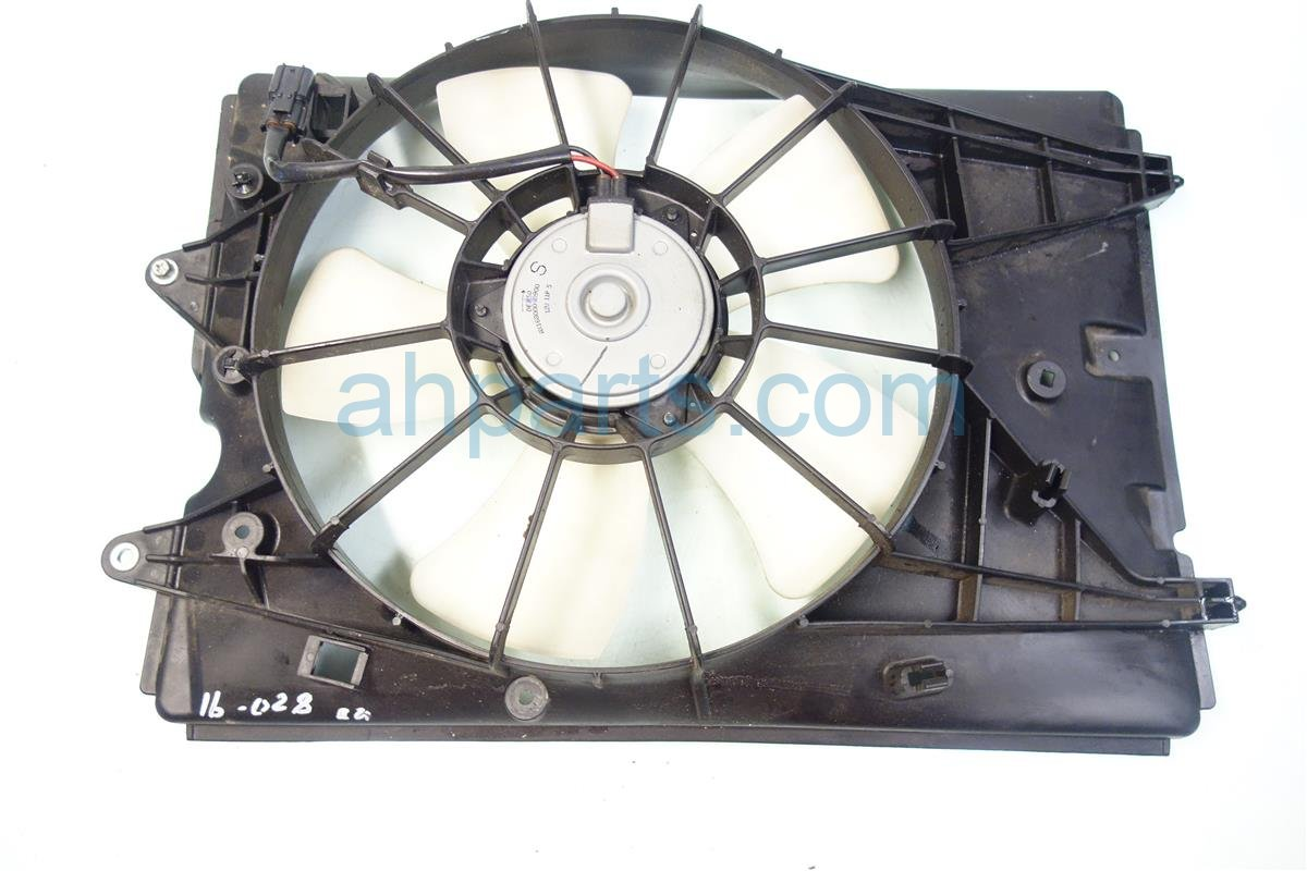 2013 Honda Pilot Cooling RADIATOR FAN BROKEN TABS ON SHROUD 19015 RN0 A01 19015RN0A01 Replacement