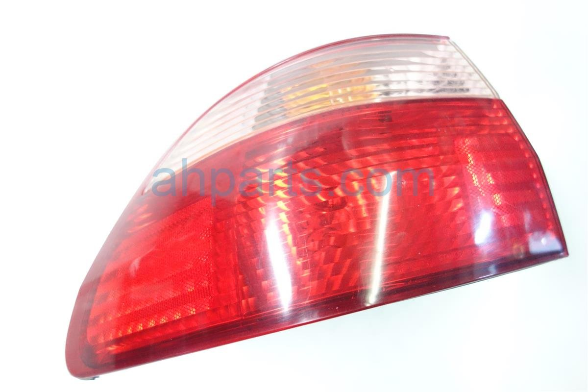 1998 Honda Accord Rear Lamp Driver TAIL LIGHT SMALL CHIP ON EDGE Replacement