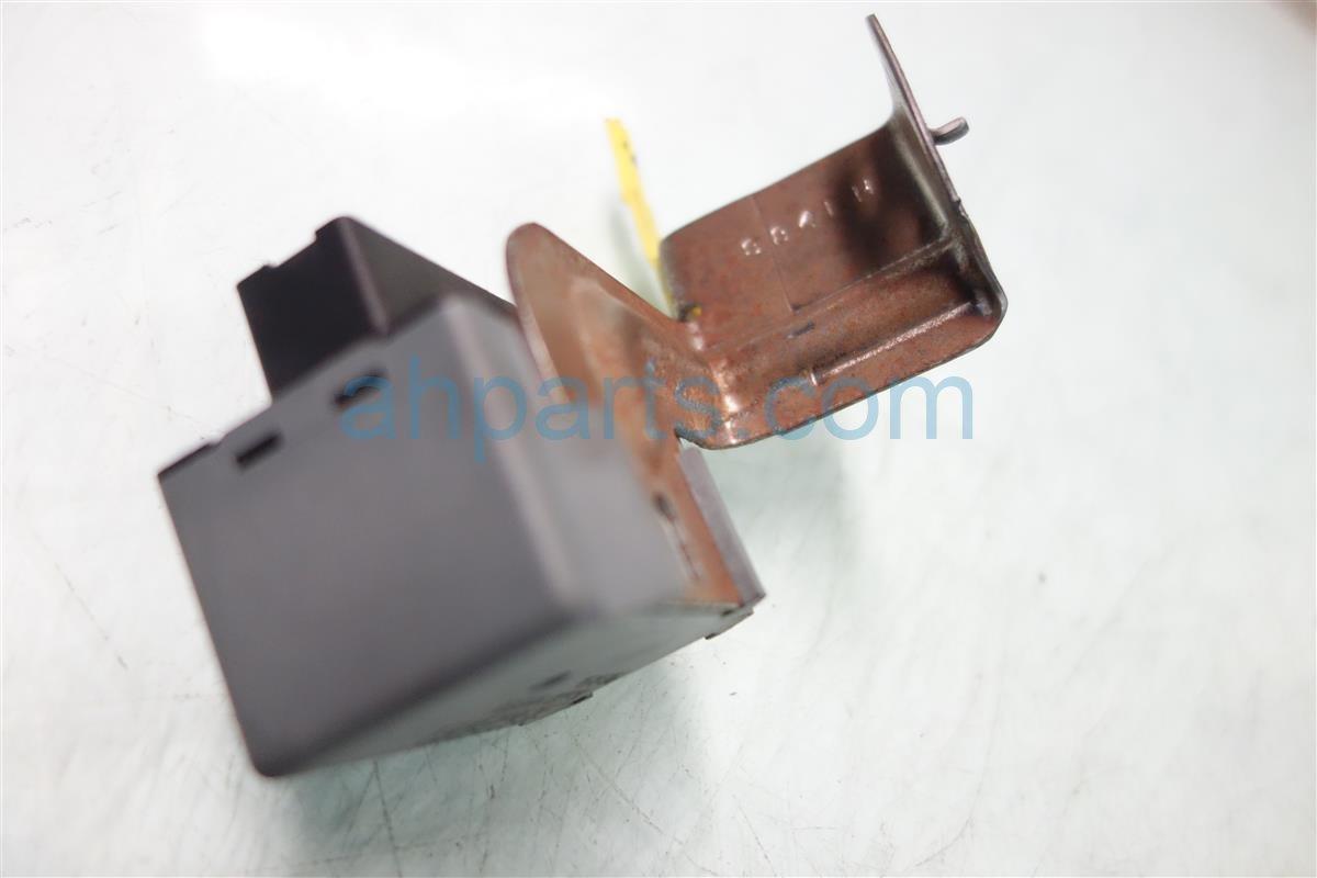 2001 Honda Accord Fuse Box Main Relay 39400 S84 003 Replacement
