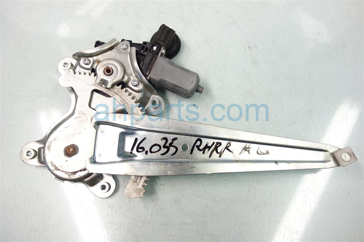 2010 Toyota Rav 4 Rear passenger WINDOW REGULATOR MOTOR 69803 0r010 698030r010 Replacement