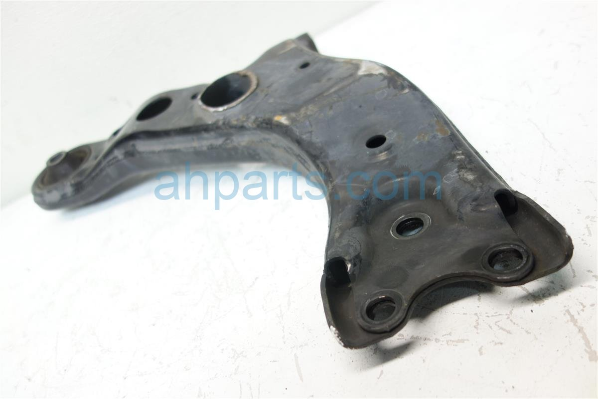 2010 Toyota Rav 4 Front driver LOWER CONTROL ARM 48069 0R010 480690R010 Replacement