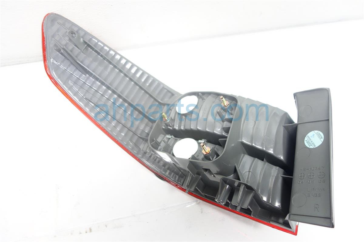 2004 Honda Accord Rear Lamp Passenger TAIL LIGHT ON BODY AFTERMARKET Replacement