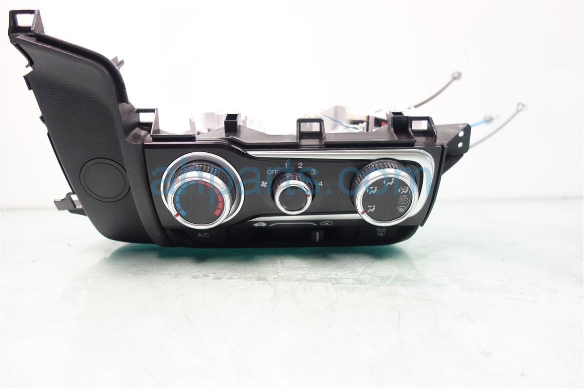 2015 Honda FIT Temperature Climate HEATER AC CONTROL ON DASH 79560 T5R A01ZA 79560T5RA01ZA Replacement