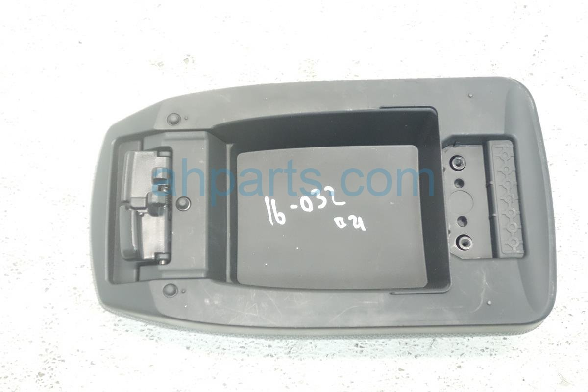 2014 Toyota Corolla CENTER CONSOLE LID ARMREST GRAY Replacement