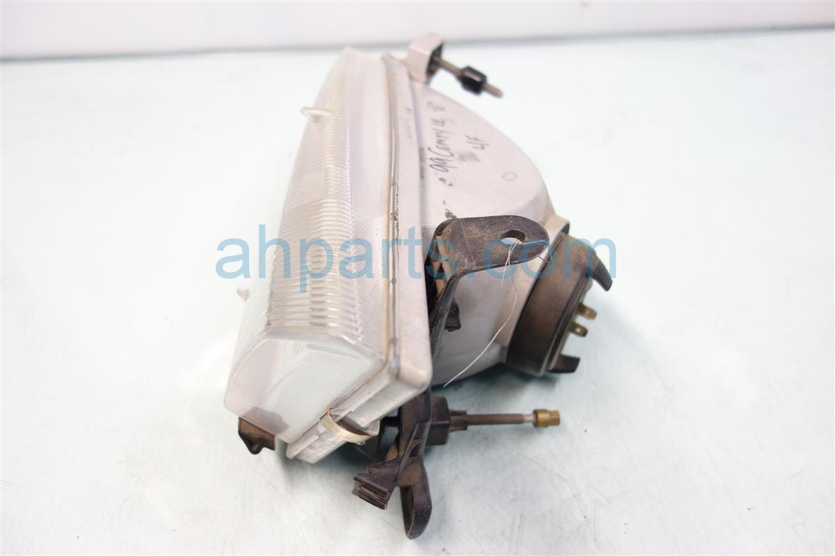 1999 Toyota Camry Lamp Driver HEADLIGHT AFTERMARKET Replacement