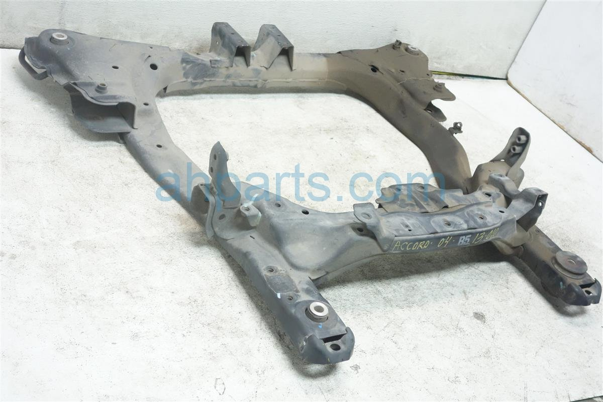 2004 Honda Accord Crossmember FRONT SUB FRAME 50200 SDB A01 50200SDBA01 Replacement
