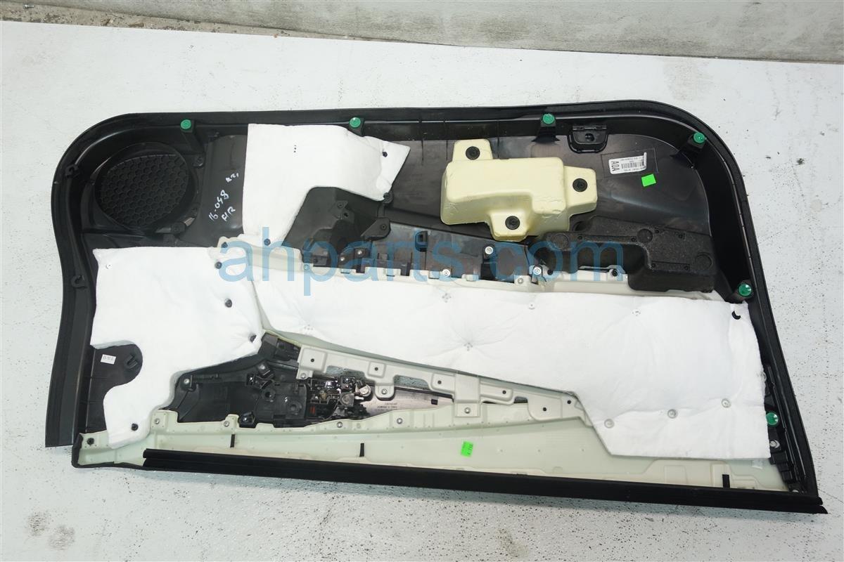 2013 Honda Accord Front trim liner Passenger DOOR PANEL BLACK HAS CRACK 83501 T3L A01ZA 83501T3LA01ZA Replacement