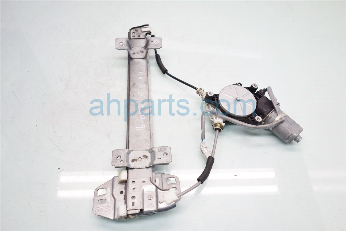 2001 Acura RL Rear passenger WINDOW REGULATOR MOTOR 72710 SZ3 A03 72710SZ3A03 Replacement