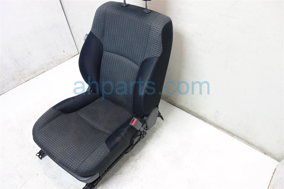 2009 Toyota 4 Runner Front passenger SEAT black cloth Replacement