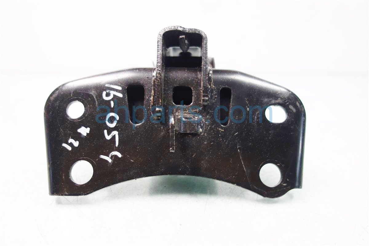 2011 Toyota Prius Engine Motor Driver ENGINE MOUNT 12372 37110 Replacement