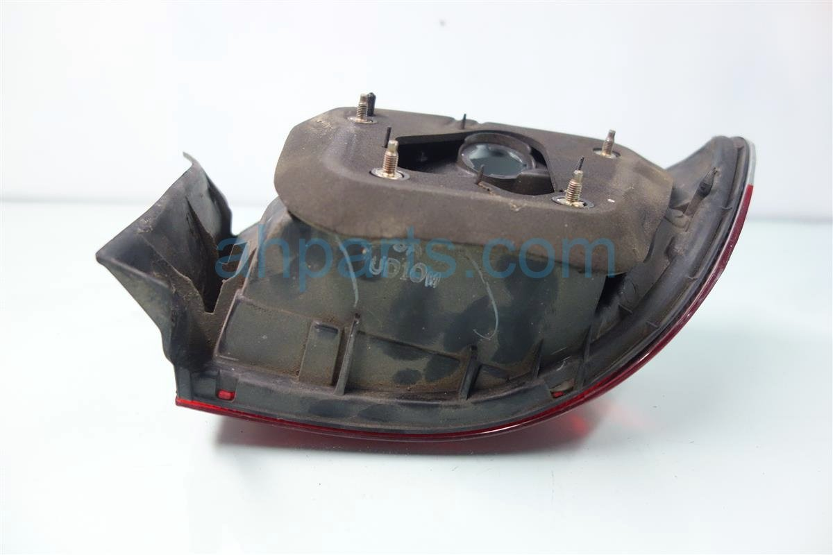 2000 Honda Civic Rear Passenger TAIL LAMP LIGHT ON BODY 33501 S02 A51 33501S02A51 Replacement