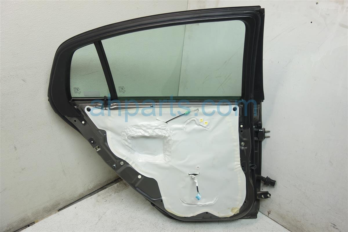 2007 Acura TL Rear driver DOOR GRAY HAS 1 DING 67550 SEP A90ZZ 67550SEPA90ZZ Replacement