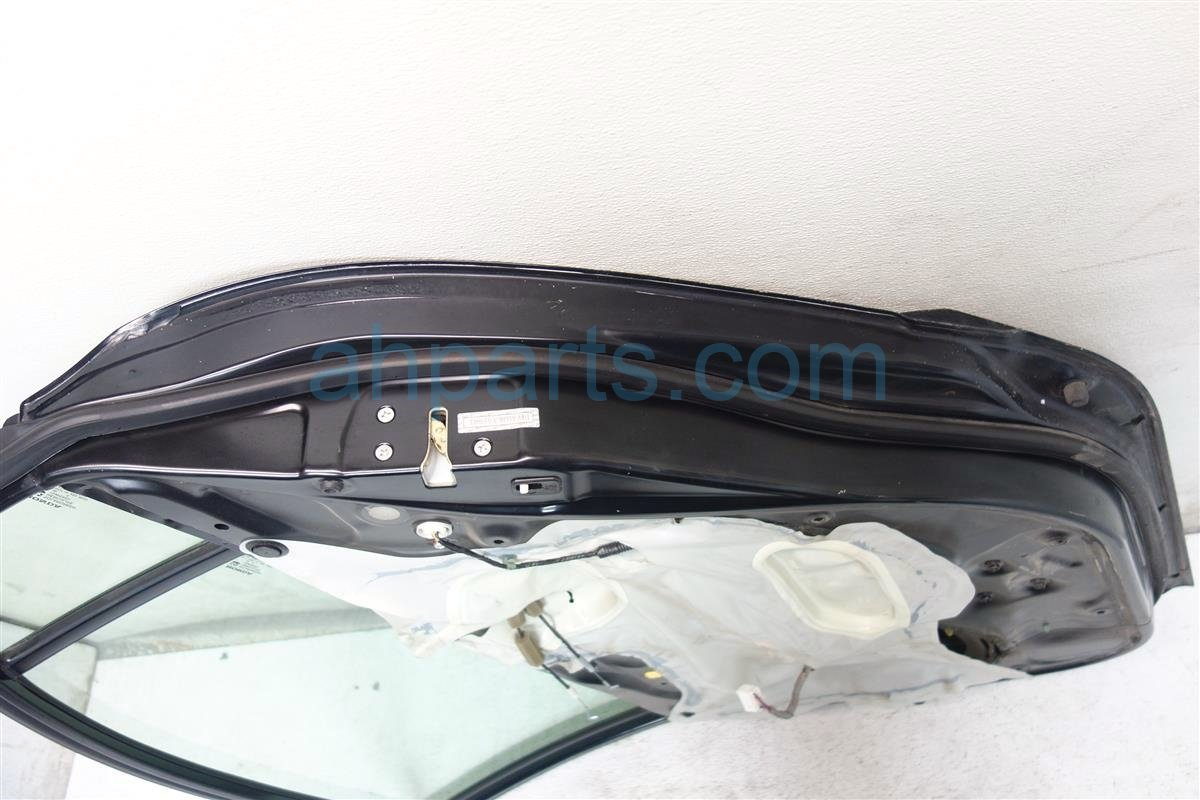 2007 Honda Civic Rear passenger DOOR BLACK HAS 1 SMALL DENT 67510 SNA A90ZZ 67510SNAA90ZZ Replacement