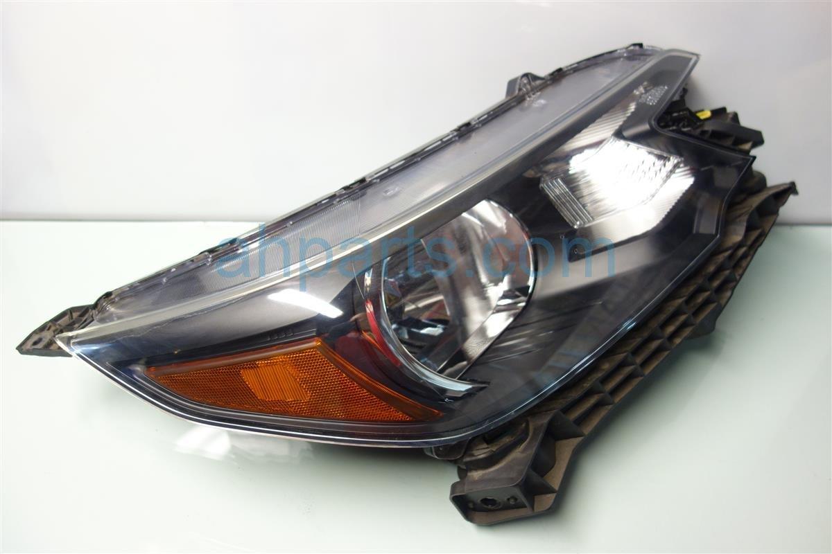 2014 Honda CR-V Headlight / Passenger Head Light Lamp