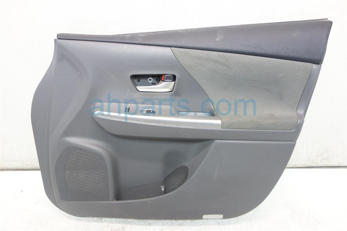 2014 Toyota Prius V Trim liner Front passenger DOOR PANEL LINING GRAY CLOTH Replacement