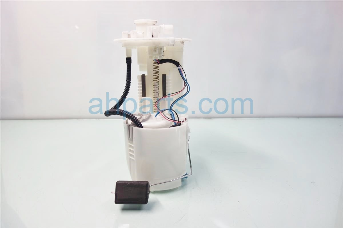 2014 Toyota Prius V FUEL PUMP Replacement