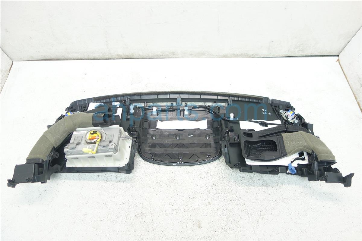 2014 Toyota Prius V DASHBOARD W AIRBAG 55300 47120 C0 55300 47120 C0 73960 47090 5530047120C07396047090 Replacement