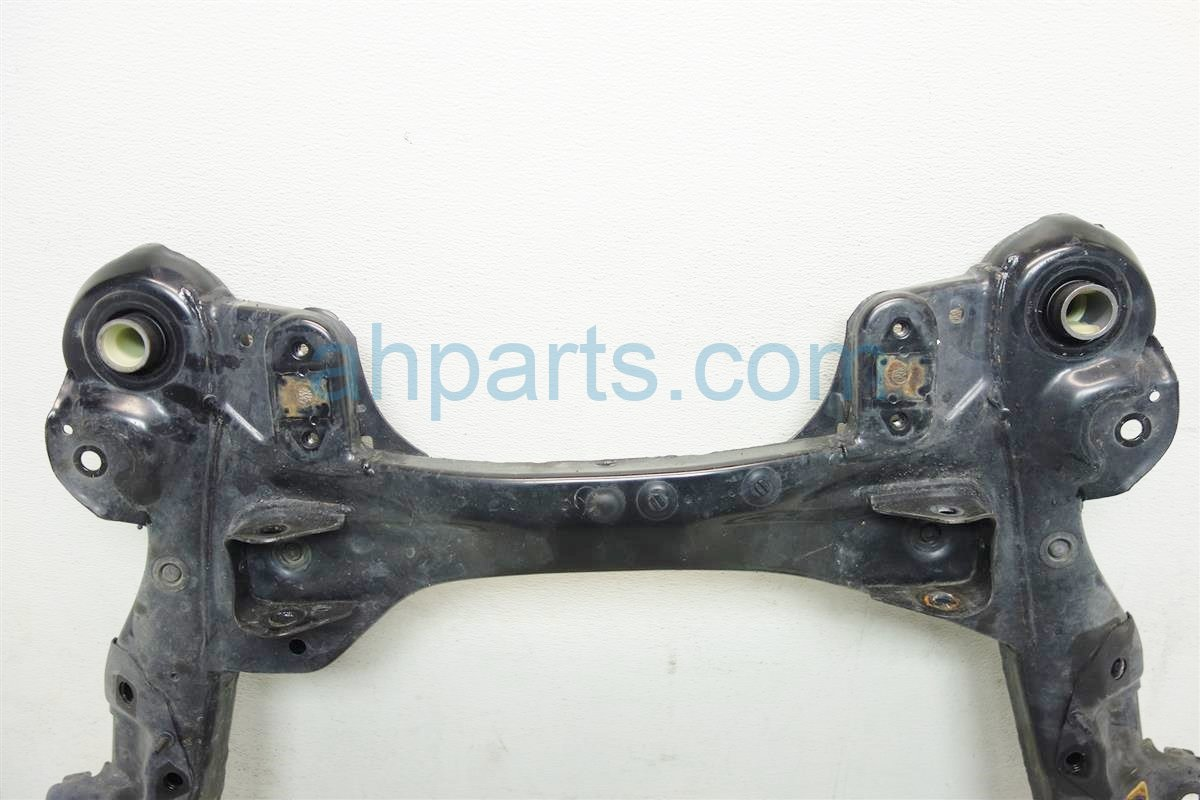 2013 Lexus Es300h Crossmember FRONT SUB FRAME CRADLE BEAM Replacement