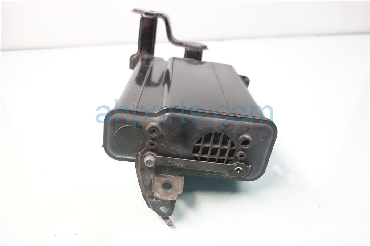 2014 Toyota Prius V SECONDARY VAPOR CANISTER 77740 47080 7774047080 Replacement
