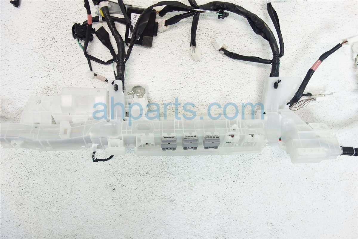2016 Toyota Corolla INSTRUMENT PANEL HARNESS 82118 0ZL71 821180ZL71 Replacement