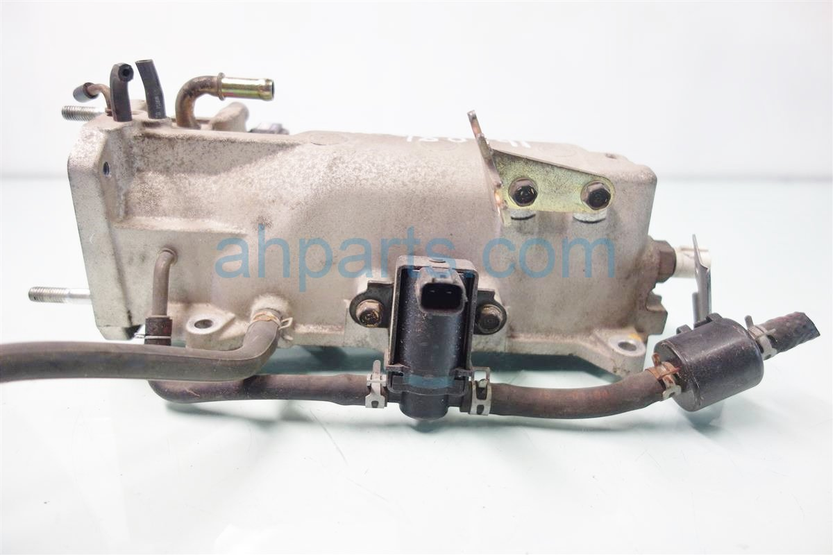 2001 Honda Accord LOWER INTAKE MANIFOLD 17110 PAA A01 17110PAAA01 Replacement