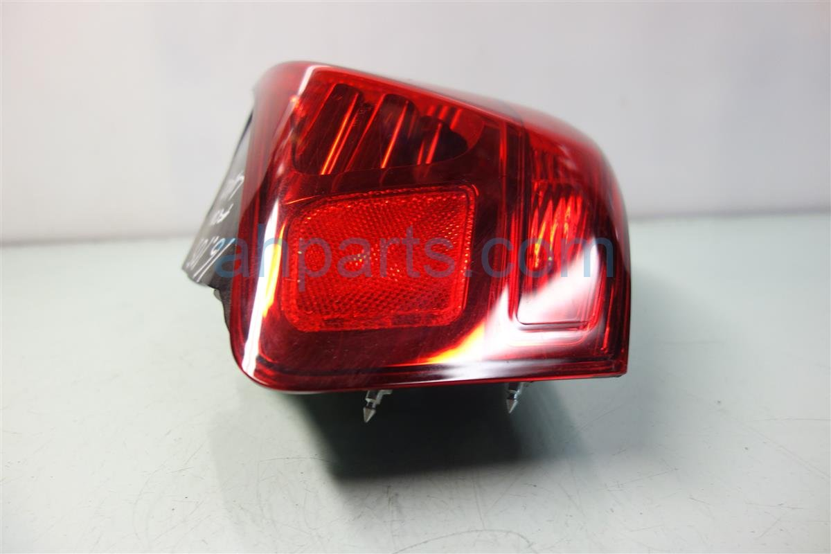 2010 Acura MDX Rear Driver TAIL LAMP LIGHT ON BODY 33551 STX A11 33551STXA11 Replacement