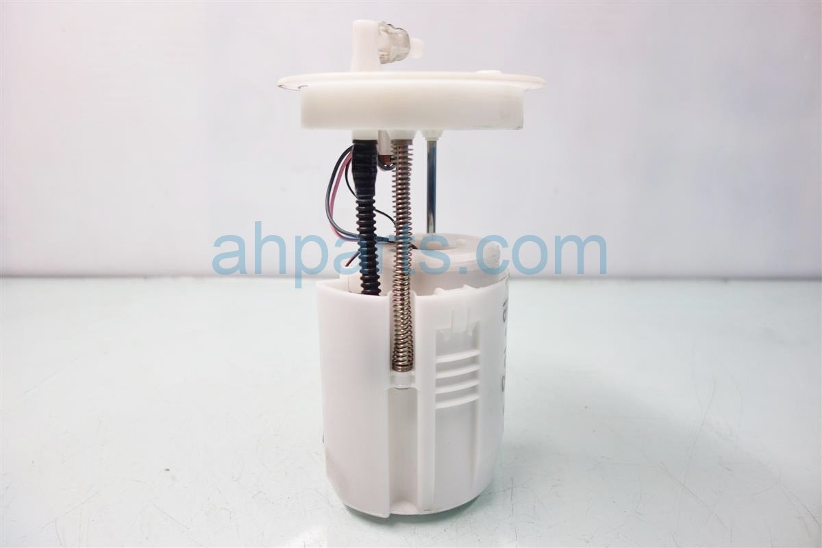 2013 Honda Accord FUEL PUMP 17045 T2B A00 17045T2BA00 Replacement