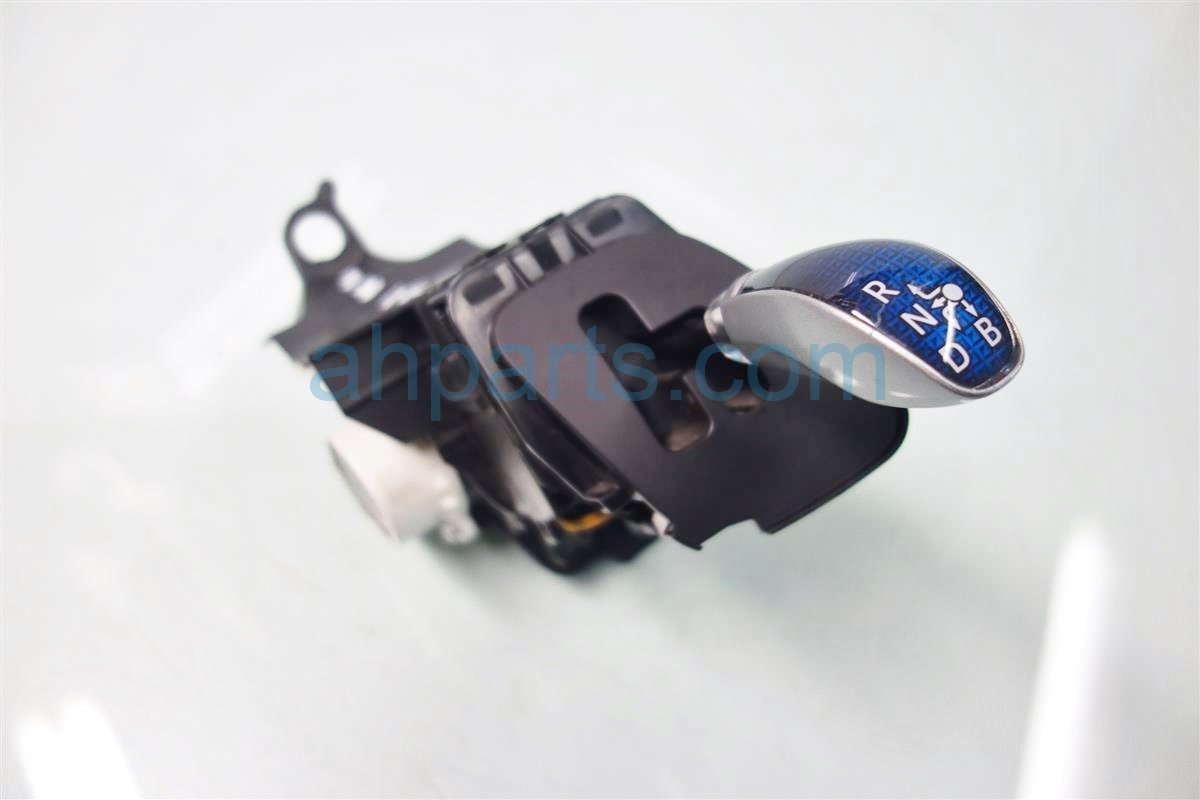 2014 Toyota Prius V TRANSMISSION SHIFTER Replacement