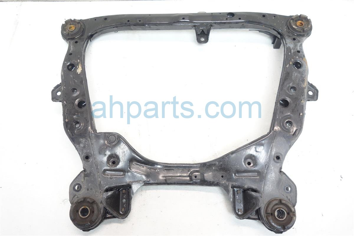2013 Toyota Avalon Crossmember FRONT SUB FRAME CRADLE BEAM 51100 06191 5110006191 Replacement