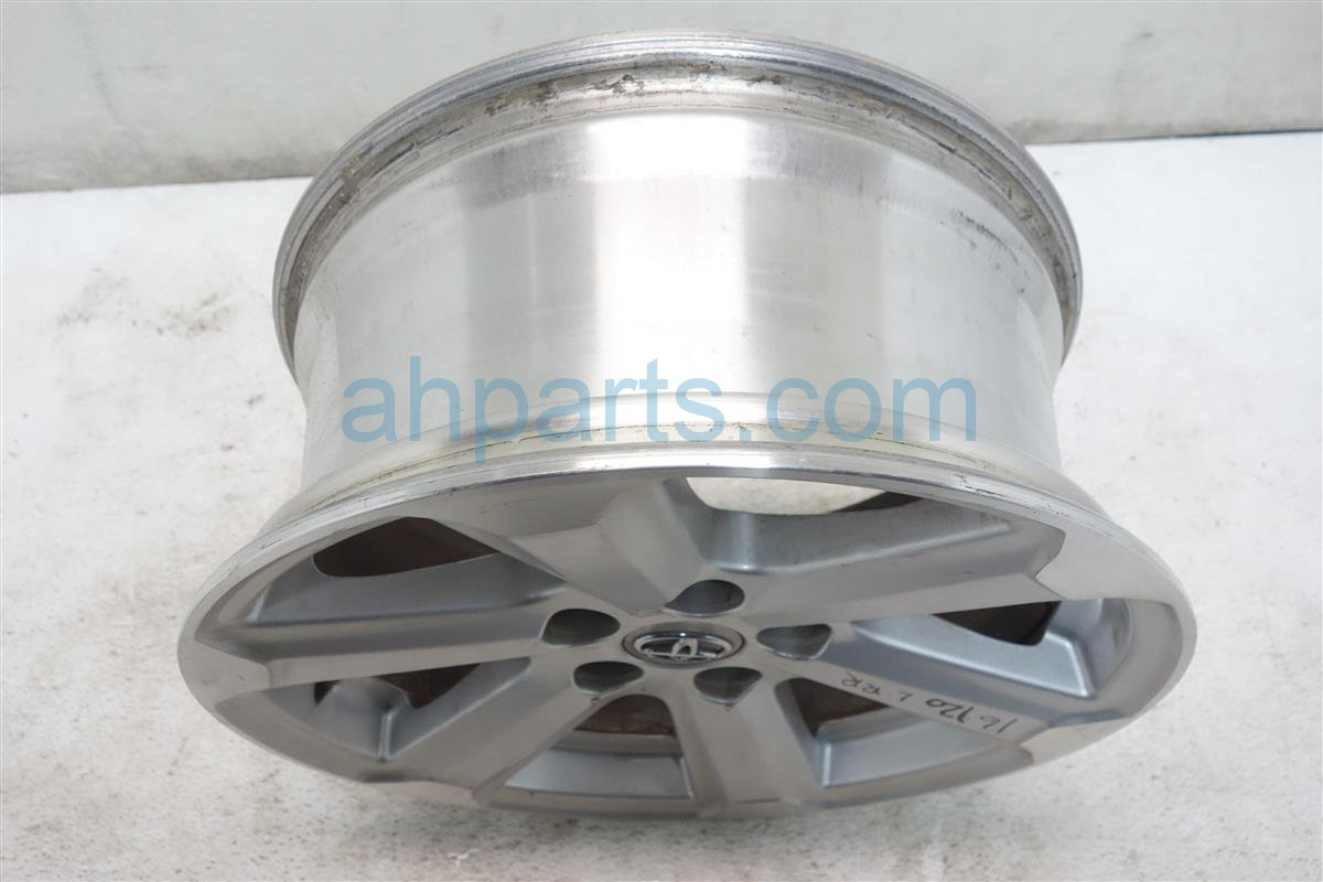 2008 Toyota Highlander Rear driver WHEEL RIM 17 6 spoke 42611 0E140 426110E140 Replacement