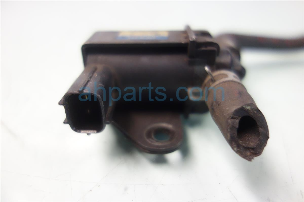 1997 Honda Civic Intake Manifold VALVE ASSY PURGE CONTROL SOLENOID 36162 P2M A01 36162P2MA01 Replacement