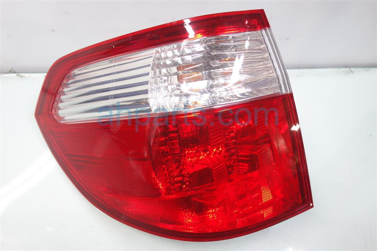 2007 Honda Odyssey Rear Driver TAIL LAMP LIGHT ON BODY 33551 SHJ A11 33551SHJA11 Replacement