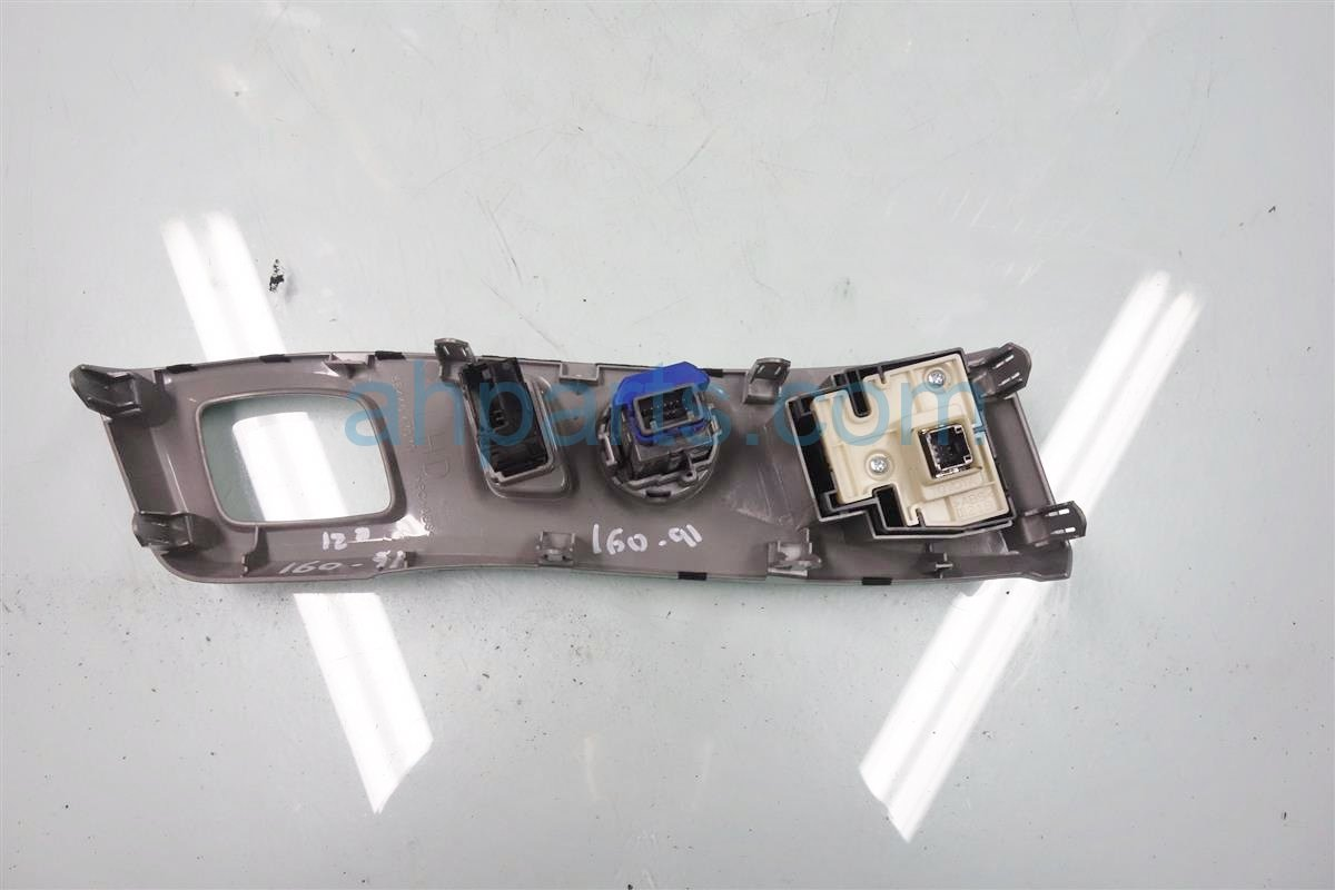 2014 Toyota Prius V DASH PANEL W SWITCHES 55446 47070 5544647070 Replacement